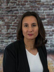 Yvette B
